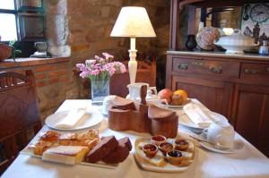 Desayuno para empezar el día en La Casona de Tresgrandas- Hotelesenllanes.net