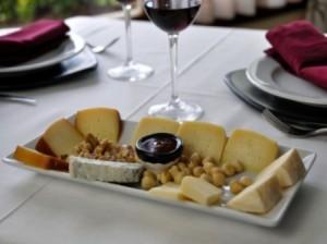 quesos- hotel puerta del oriente- llanes